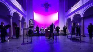 """""""In der Mitte der Nacht liegt der Anfang eines neuen Tages """" – Osternacht in der Trinitatiskirche"""